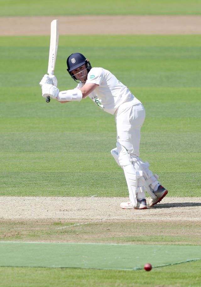 Oliver Soames helped Hampshire into a commanding position against Warwickshire