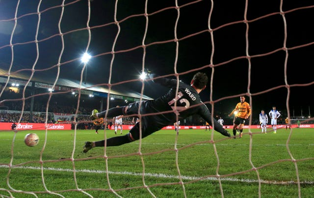 Amond's late penalty saw off Leicester