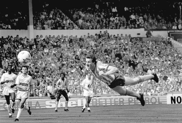 Keith Houchen's diving header is one of the most memorable FA Cup final goals