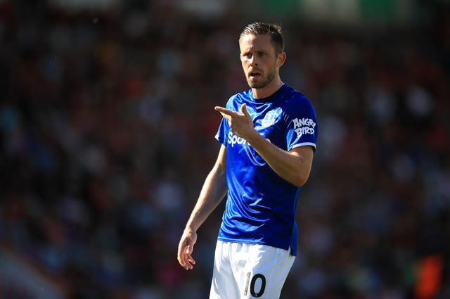 Gylfi Sigurdsson has called on Everton to stick together