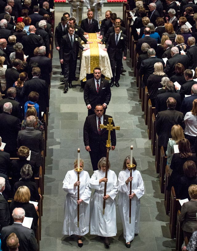 Pallbearers carry the casket of former first lady Barbara Bush E (Brett Coomer/Houston Chronicle/AP Pool)