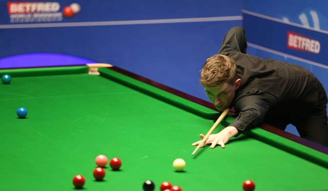 James Cahill is giving Ronnie O'Sullivan a game in Sheffiel