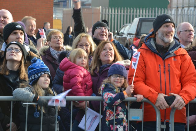 Crowds wait for HMS Queen Elizabeth