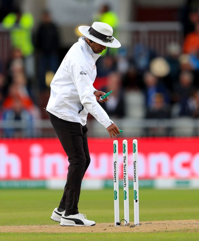 Kumar Dharmansena was originally appointed as the third umpire