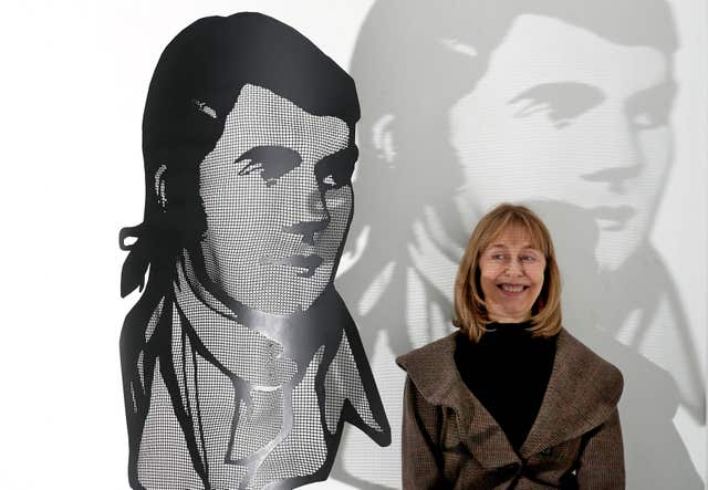First minister expresses pride in burns night greeting shropshire star curator sheilagh tennant with david begbies steel mesh portrait of robert burns at the burns unbroke m4hsunfo