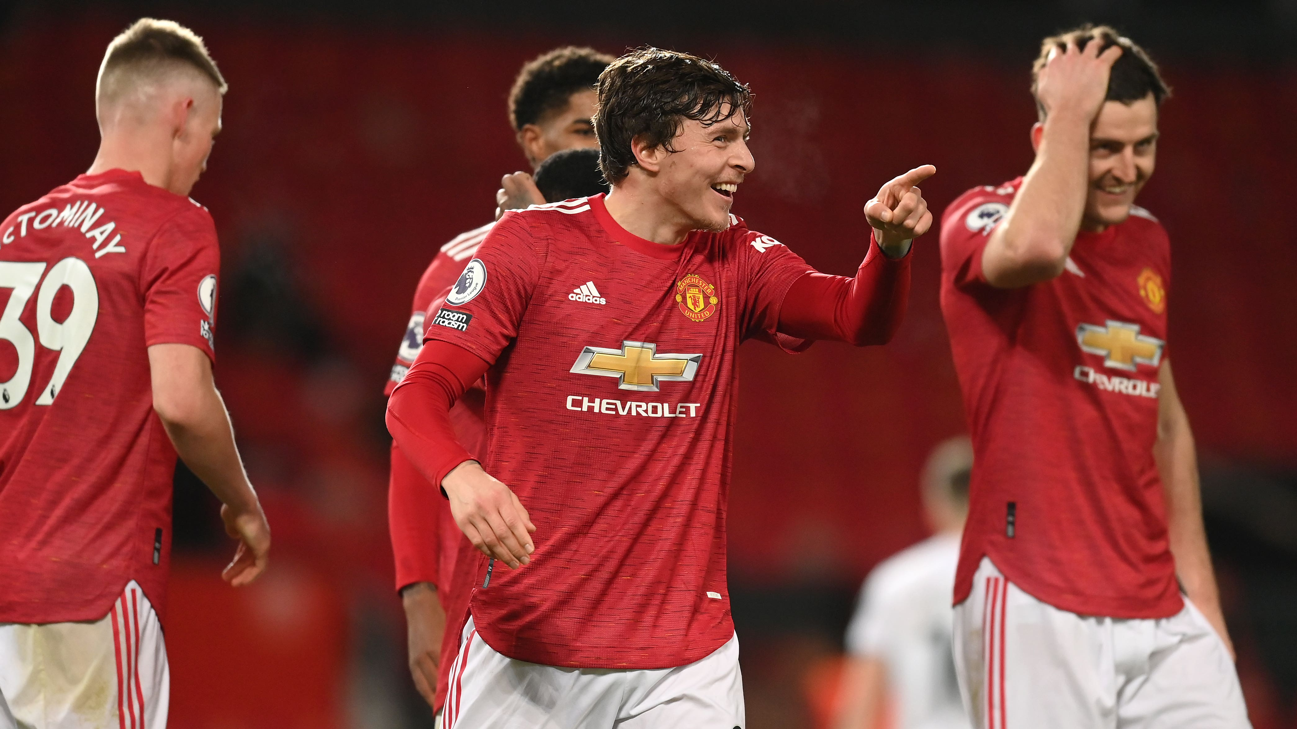 Victor Lindelof will continue playing through the pain to help Manchester  United | BT Sport