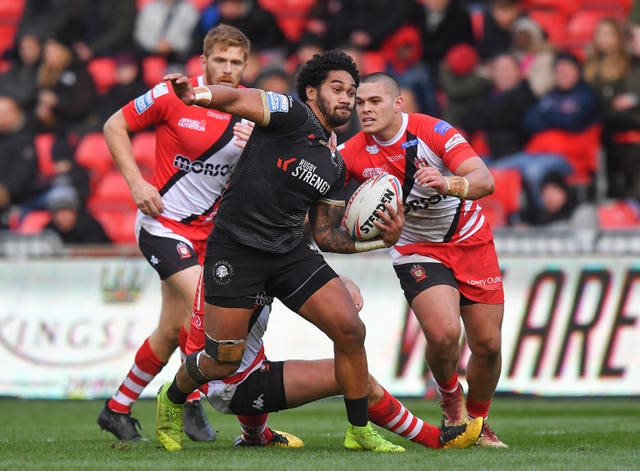 Toronto are still searching for their first win in Betfred Super League after losing 24-16 to Salford in a tense encounter at the AJ Bell Stadium