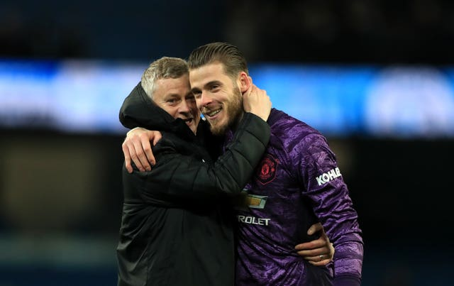Solskjaer would love to see De Gea spend another decade at United