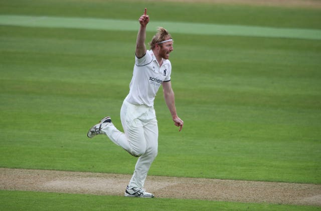 Warwickshire v Derbyshire – LV= Insurance County Championship – Day One – Edgbaston