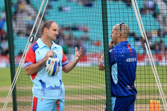 Gary Kirsten (right) would bring plenty of experience with him.