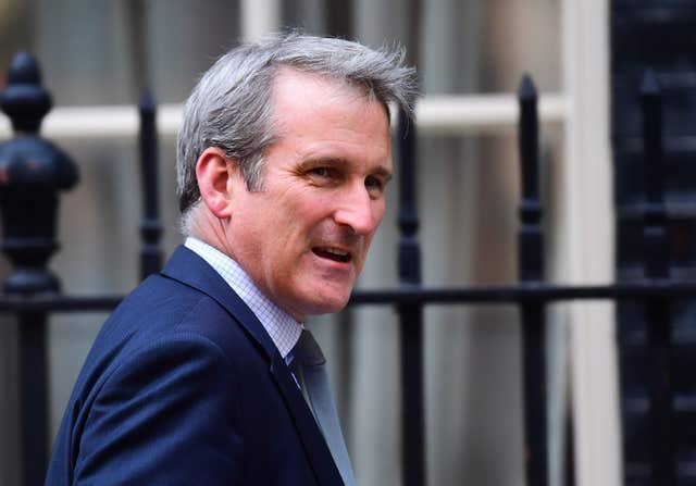 Education Secretary Damian Hinds has called for universities to contact the families of students experiencing mental health problems.